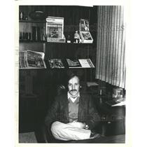 1988 Press Photo Pro Football Weekly Editor Hub Arkush - RRW48551