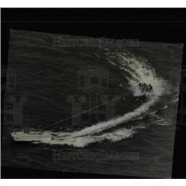 1964 Press Photo Lake shore water show water skiers - RRX66997
