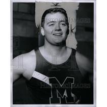 1966 Press Photo Bob Mead Manhattan track winner game - RRX57087