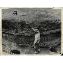 1935 Press Photo Ancient Indian Pithouse Sunset floor - RRX79329