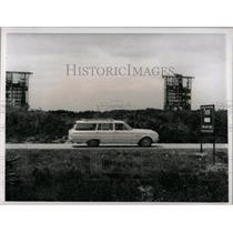 1964 Press Photo Sightseers Cape Kennedy Florida