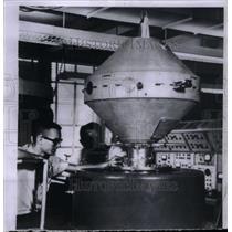 1960 Press Photo Satellites US Explorer II Insert Moon - RRX57595