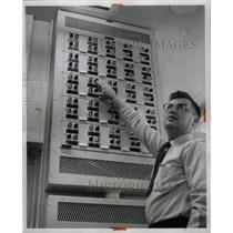 1958 Press Photo Air Force Door Control