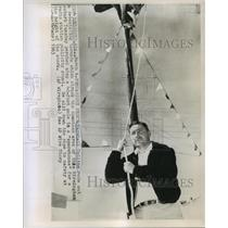 1963 Press Photo Marshall Collins rode out a tornado for radio publicity stunt