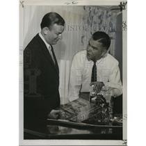 1956 Press Photo Les Baxter, Dave Dexter of Capitol Records Inc. Recording
