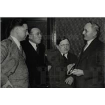 1933 Press Photo Detroit Attorneys William H. Caswell - RRW69467