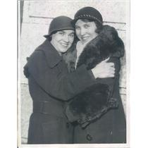 1932 Press Photo Chicago Long-Lost Sisters Agnes Roux, Margaret Fowley