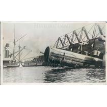1922 Press Photo Hamburg Germany Raising of Liner Avare - ner32035