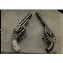 Press Photo Old Fashioned Guns - RRX68773