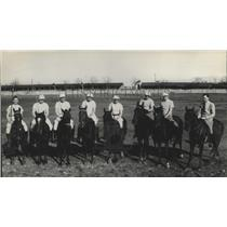 1984 Press Photo Polo Team Poses For Picture - spa90885