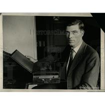 1926 Press Photo Thomas Jefferson Desk - RRX63239