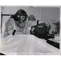 1953 Press Photo Patient Yvonne McLeod hospital Detorit