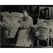 1923 Press Photo Senator King Wife With Newborn Twins - RRW78011