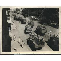 1929 Press Photo Buses of British & Indian Troops Rushing Toward Riots in Bombay