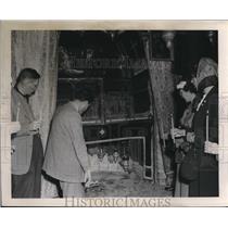 1953 Press Photo Inside the Church of Nativity in Bethlehem, Israel