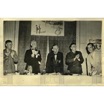 1937 Press Photo TransAtlantic pilot Dick Merrill at National Aviation dinner