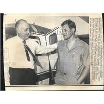 1971 Press Photo Mack Brothers and R. G. Crump after Plane Hijacking - nos07853
