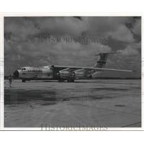 Press Photo A view f the C-141 Starlifter Plane - sba20174