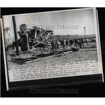 1955 Press Photo Crick house Bomb Civil Damage Atomic