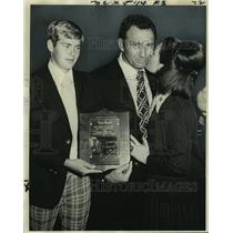 1975 Press Photo Coach of the Year, Oakland A's Alvin Dark with wife & son