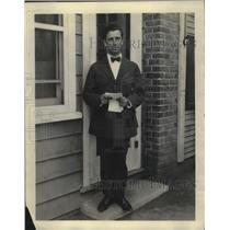 1923 Press Photo LM Goodstadt casting director at Lashey's - nef70263