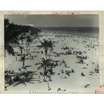 1962 Press Photo Typical Beach Scene, Miami Beach, Florida - hcx11307