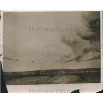 1931 Press Photo A Smoke Screen Produced by Pilots Doing Maneuvers Near Florence