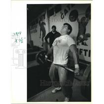 1992 Press Photo Bret Brian, Olympic Weightlifter Trains at Wallbanger Court