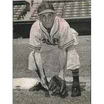 1956 Press Photo Elderly San Antonio Missions baseball player Ike Pendleton