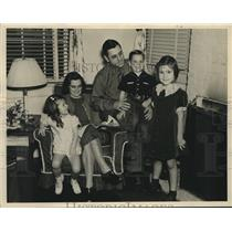 1939 Press Photo Mr. and Mrs. David Ellison, attorney-general, and family.