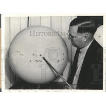 1934 Press Photo Sunspots Sun Model - RRX83319