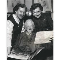 1972 Press Photo Salute to Service - Mrs. John Blount, Mrs. Bauman, Miss Berry