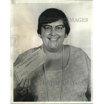 1977 Press Photo Mrs. Mary Margaret Fabares won States-Item's Draw Poker game