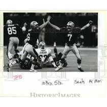 1993 Press Photo New Orleans Saints Morten Anderson & Tommy Barnhard Celebrate