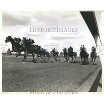 ca. 1960 Press Photo orse Racing In Arlington Park - RRQ05685
