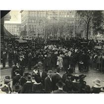 1917 Press Photo drafted men at 5th St. and Sibley, St. Paul, MN World War I