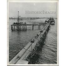 1954 Press Photo Oilfield trestle in Azerbaijan, USSR - mjb99435