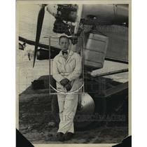 1923 Press Photo Sam Taylor Pilot in Cleveland Airport - nem55223