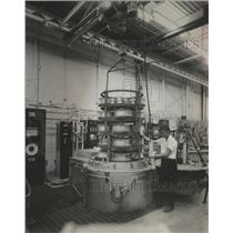 1968 Press Photo Transmission gears for Huey helicopter undergo case hardening.