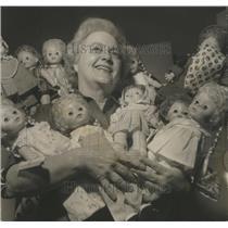 1971 Press Photo Mrs. J.W. Dewberry, Alabama Clubwoman, Salvation Army Show