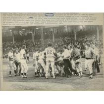 1975 Press Photo Texas Rangers Fan on Field - RRQ23511