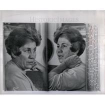 1967 Press Photo Hugh Tighe puzzled hypnosis girl Irish