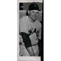 1950 Press Photo Eddie Robinson Chicago White Sox - dfpd39631