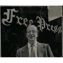 1957 Press Photo Jimmy Pooler, Pulitzer prize winner - DFPD51033