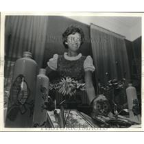 1975 Press Photo Mrs. Helga Harzog with Items handcrafted by Herself