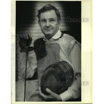1990 Press Photo Dr. Eugene Hamori, Medical School professor & fencing coach