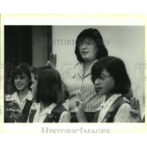 1990 Press Photo Girl Scout meeting at the House of Prayer Lutheran Church
