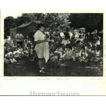 1988 Press Photo Girl scouts' camp-out at St. Bernard State Park in Caervarvon