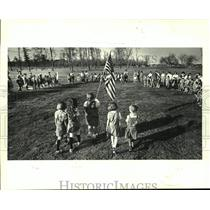 """1987 Press Photo """"Promise Circle"""" celebrating 75th Anniversary of Girl Scouting"""
