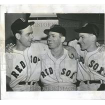 1949 Press Photo Mel Parnell w/teammates, 24th pitch - RRQ52487